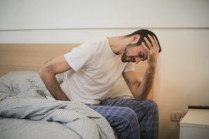 Henvisning af personer med milde symptomer på COVID-19